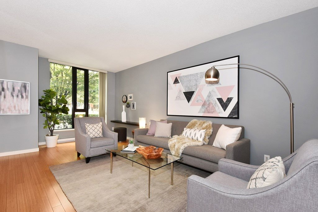 Townhouse at 318 SMITHE STREET, Vancouver West, British Columbia. Image 2