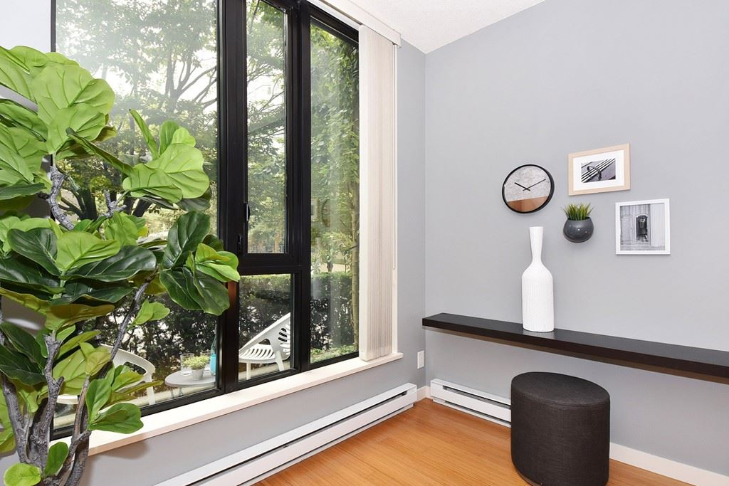 Townhouse at 318 SMITHE STREET, Vancouver West, British Columbia. Image 4