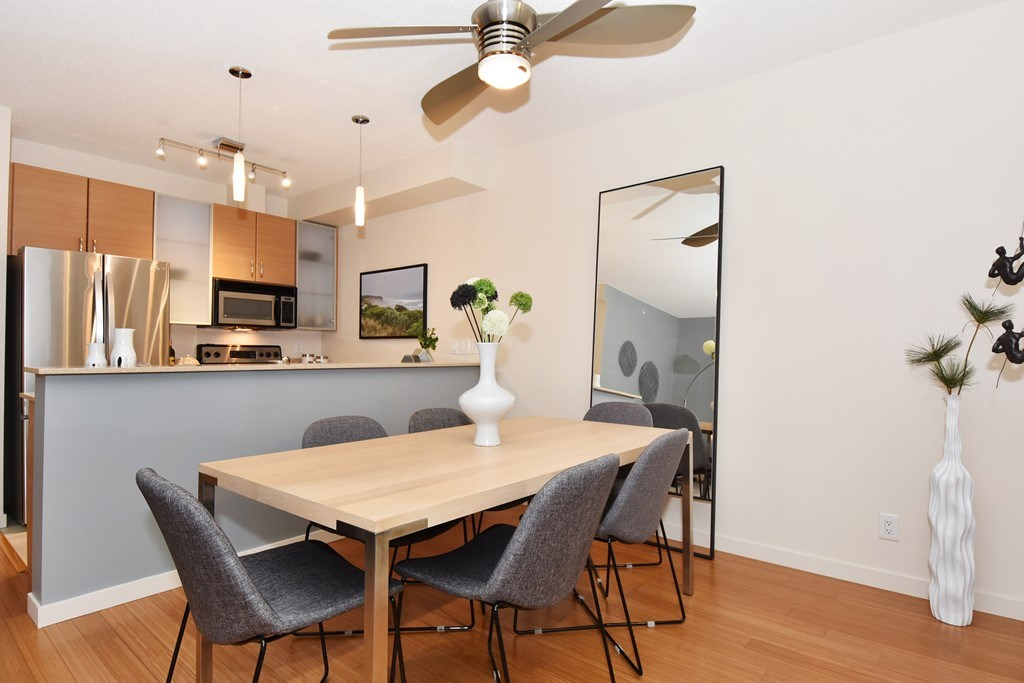 Townhouse at 318 SMITHE STREET, Vancouver West, British Columbia. Image 9