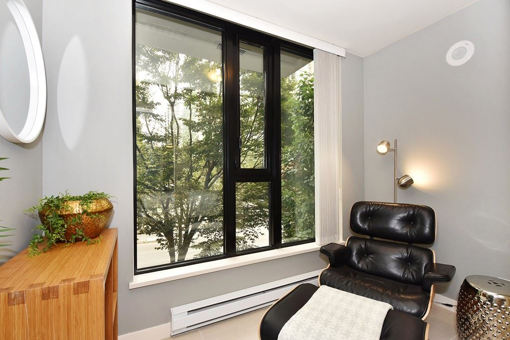 Townhouse at 318 SMITHE STREET, Vancouver West, British Columbia. Image 15