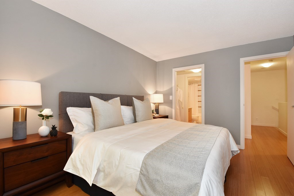 Townhouse at 318 SMITHE STREET, Vancouver West, British Columbia. Image 16
