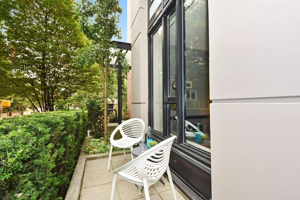 Townhouse at 318 SMITHE STREET, Vancouver West, British Columbia. Image 20