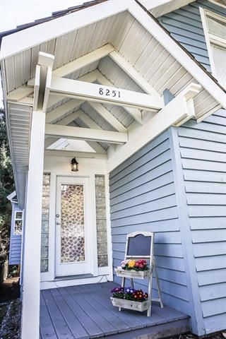 Detached at 8251 10TH AVENUE, Burnaby East, British Columbia. Image 16