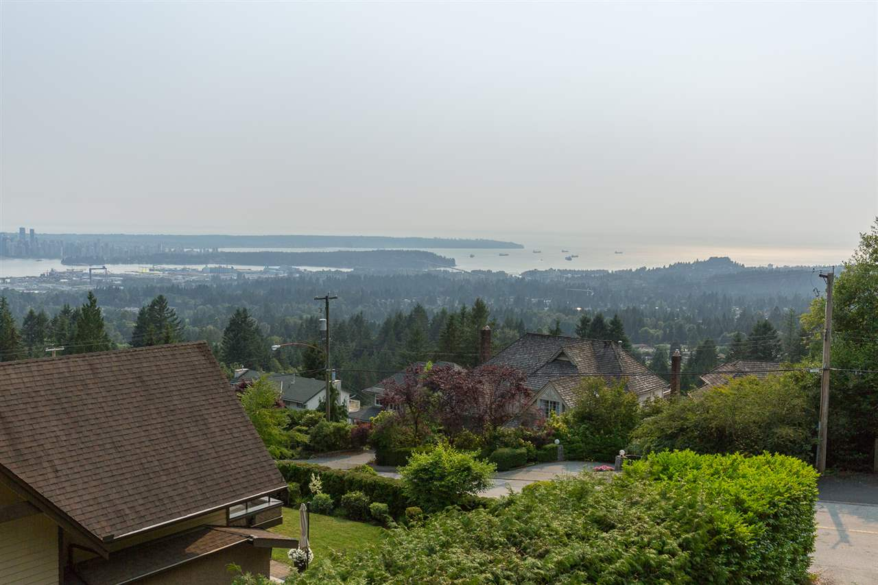 Detached at 4320 PROSPECT ROAD, North Vancouver, British Columbia. Image 1