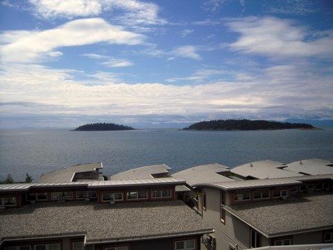 Townhouse at 6492 EMBER PLACE, Sunshine Coast, British Columbia. Image 7