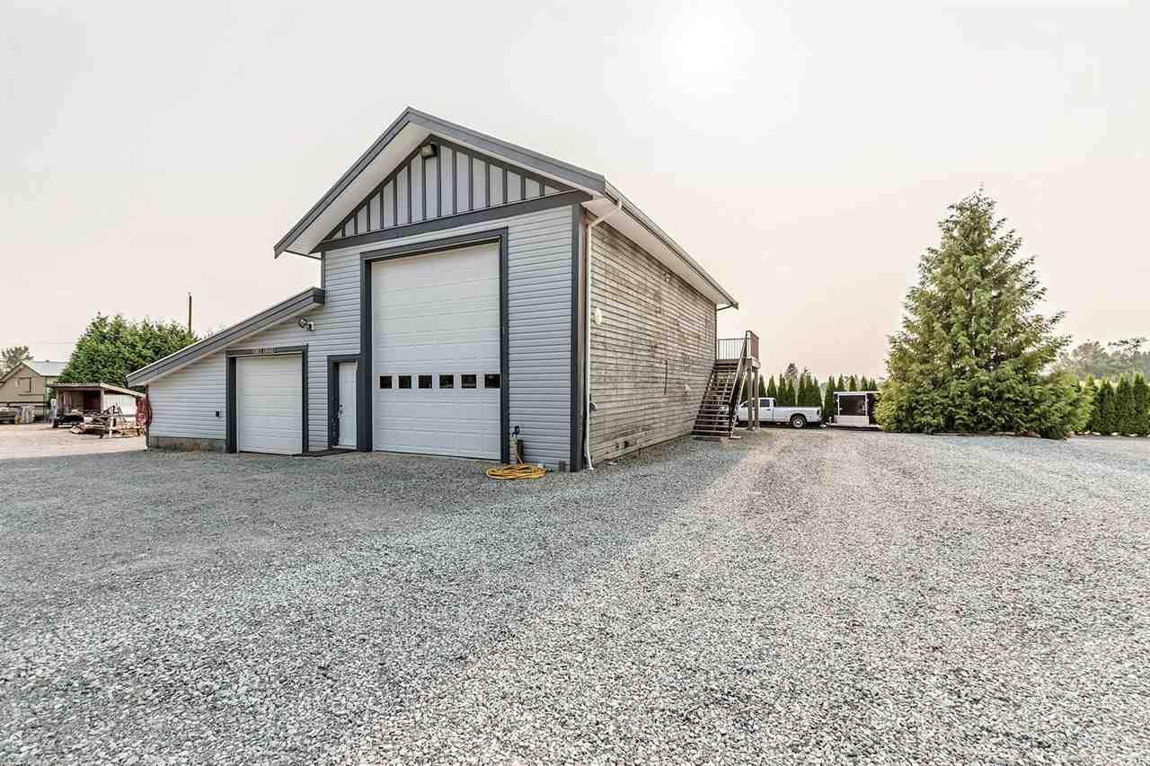 Detached at 28766 MCTAVISH ROAD, Abbotsford, British Columbia. Image 4