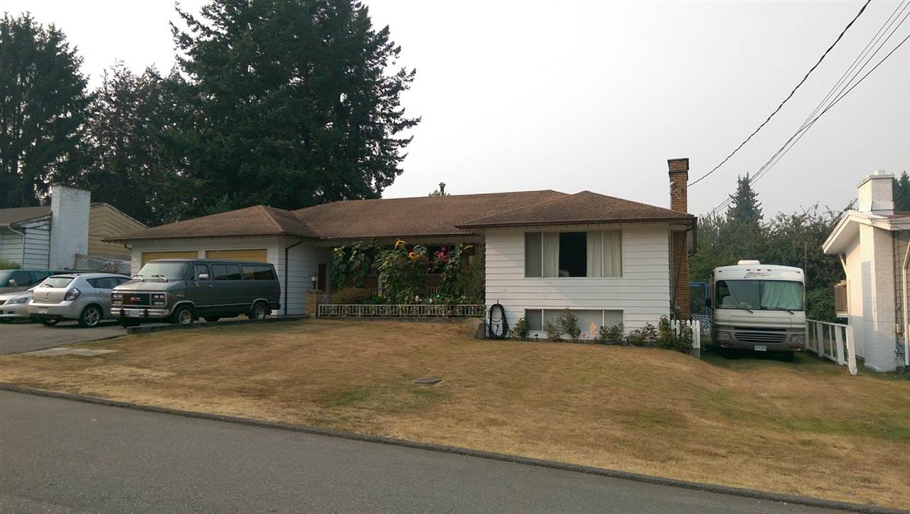 Detached at 33237 RAVINE AVENUE, Abbotsford, British Columbia. Image 1