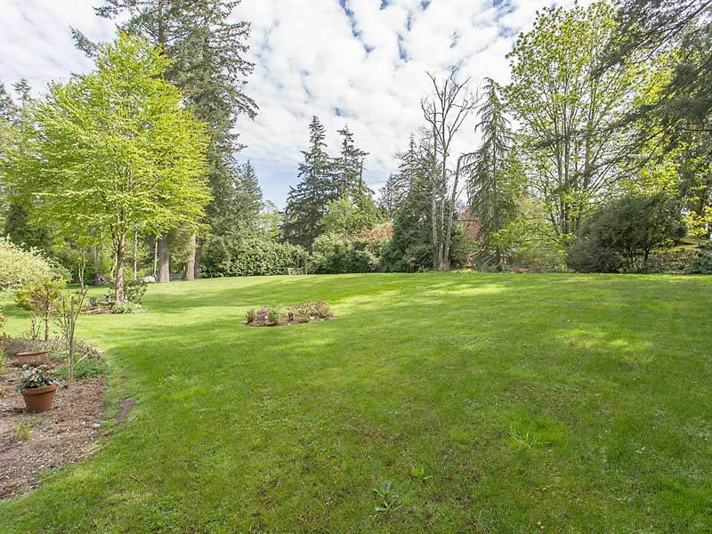 Detached at 17154 26A AVENUE, South Surrey White Rock, British Columbia. Image 14