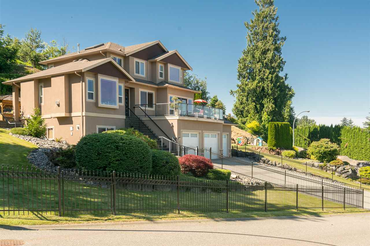 Detached at 8675 SUNBURST PLACE, Chilliwack, British Columbia. Image 2