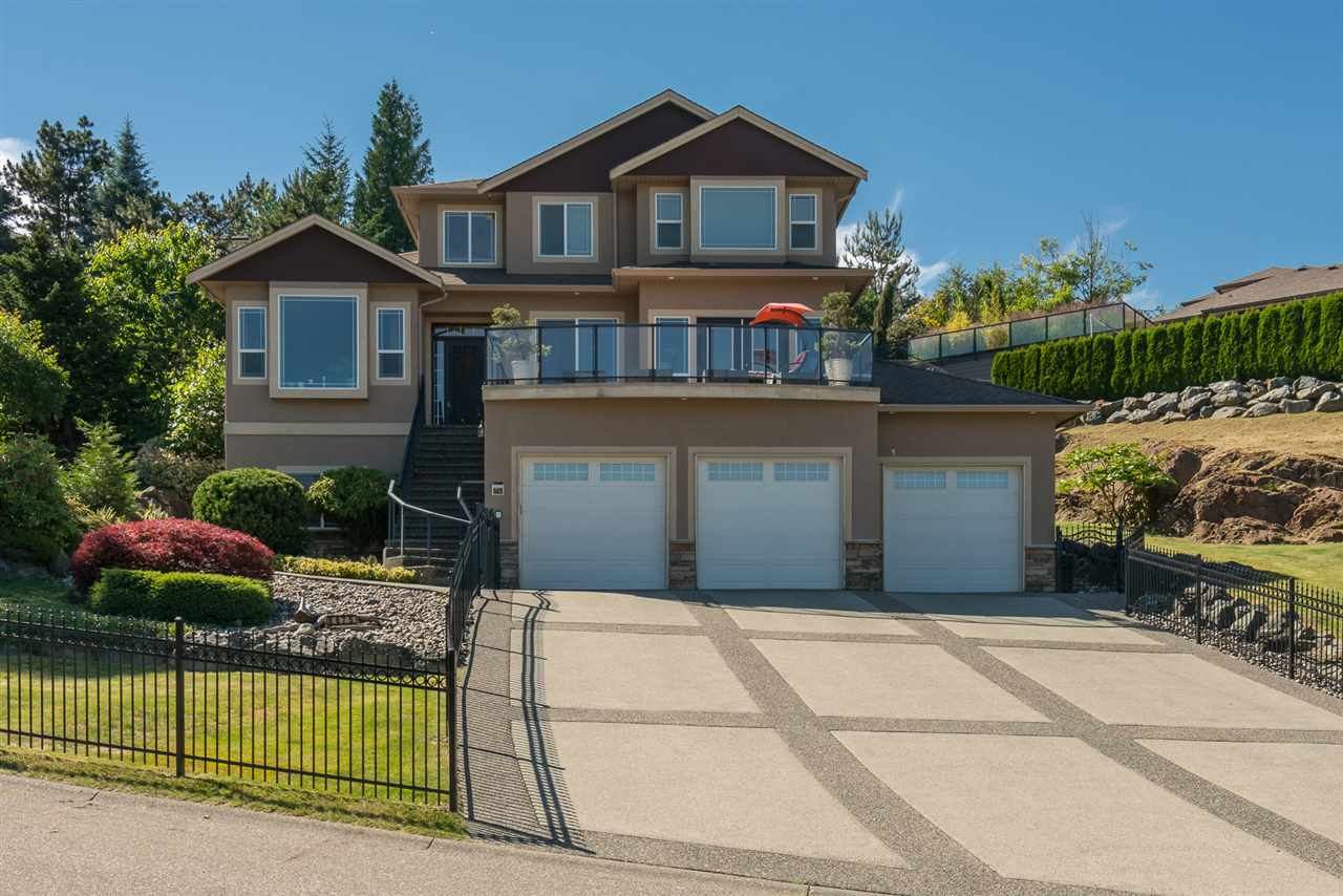 Detached at 8675 SUNBURST PLACE, Chilliwack, British Columbia. Image 3