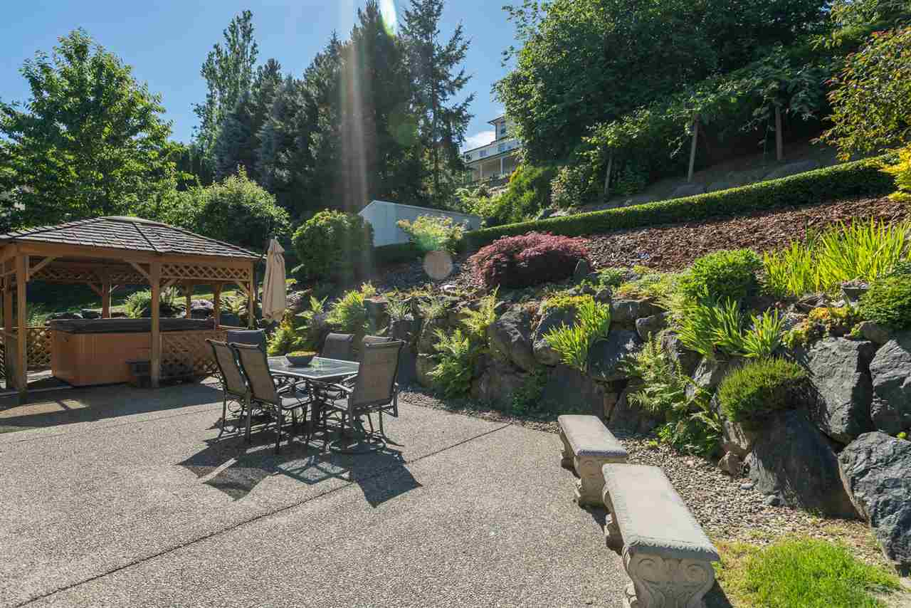 Detached at 8675 SUNBURST PLACE, Chilliwack, British Columbia. Image 4