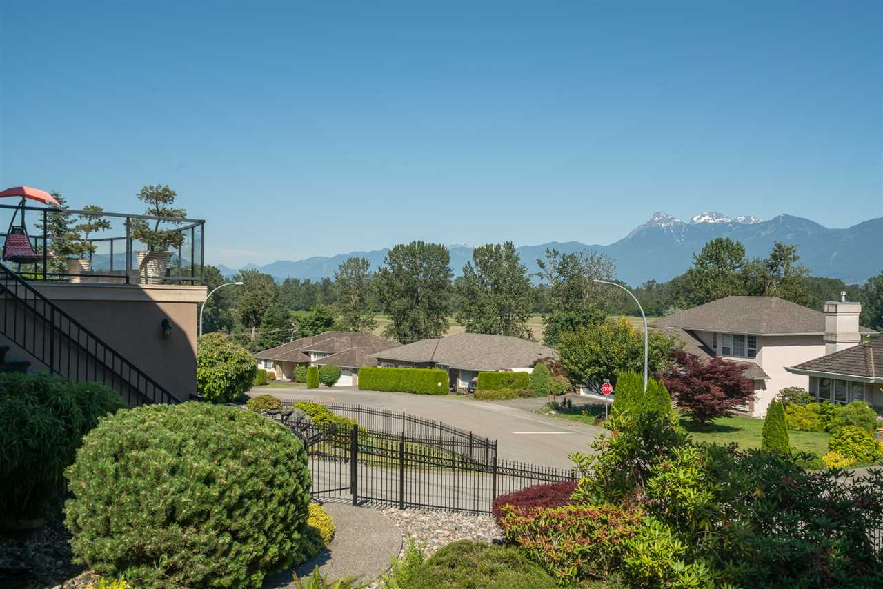 Detached at 8675 SUNBURST PLACE, Chilliwack, British Columbia. Image 5