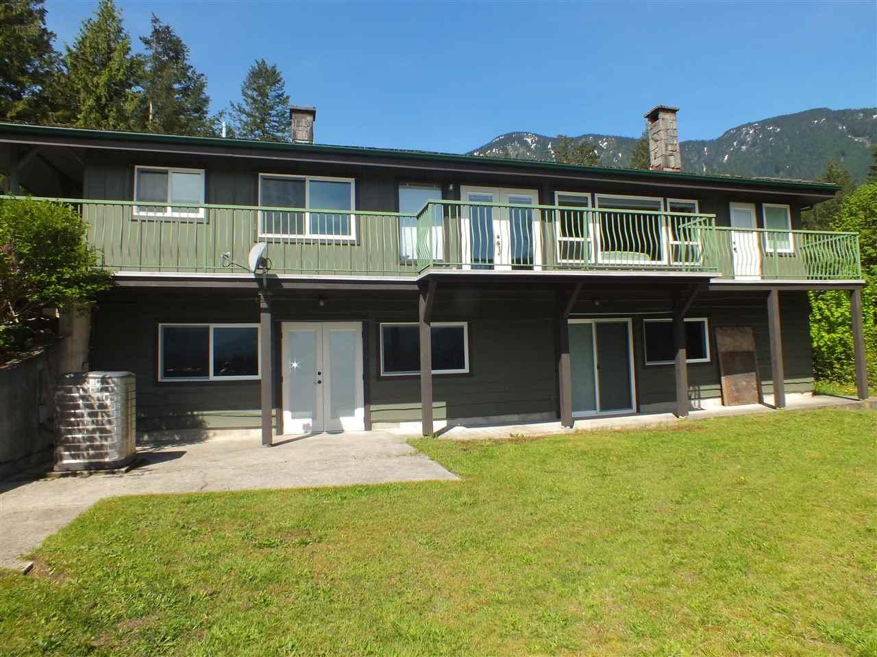 Detached at 64103 LAUZON ROAD, Hope, British Columbia. Image 2
