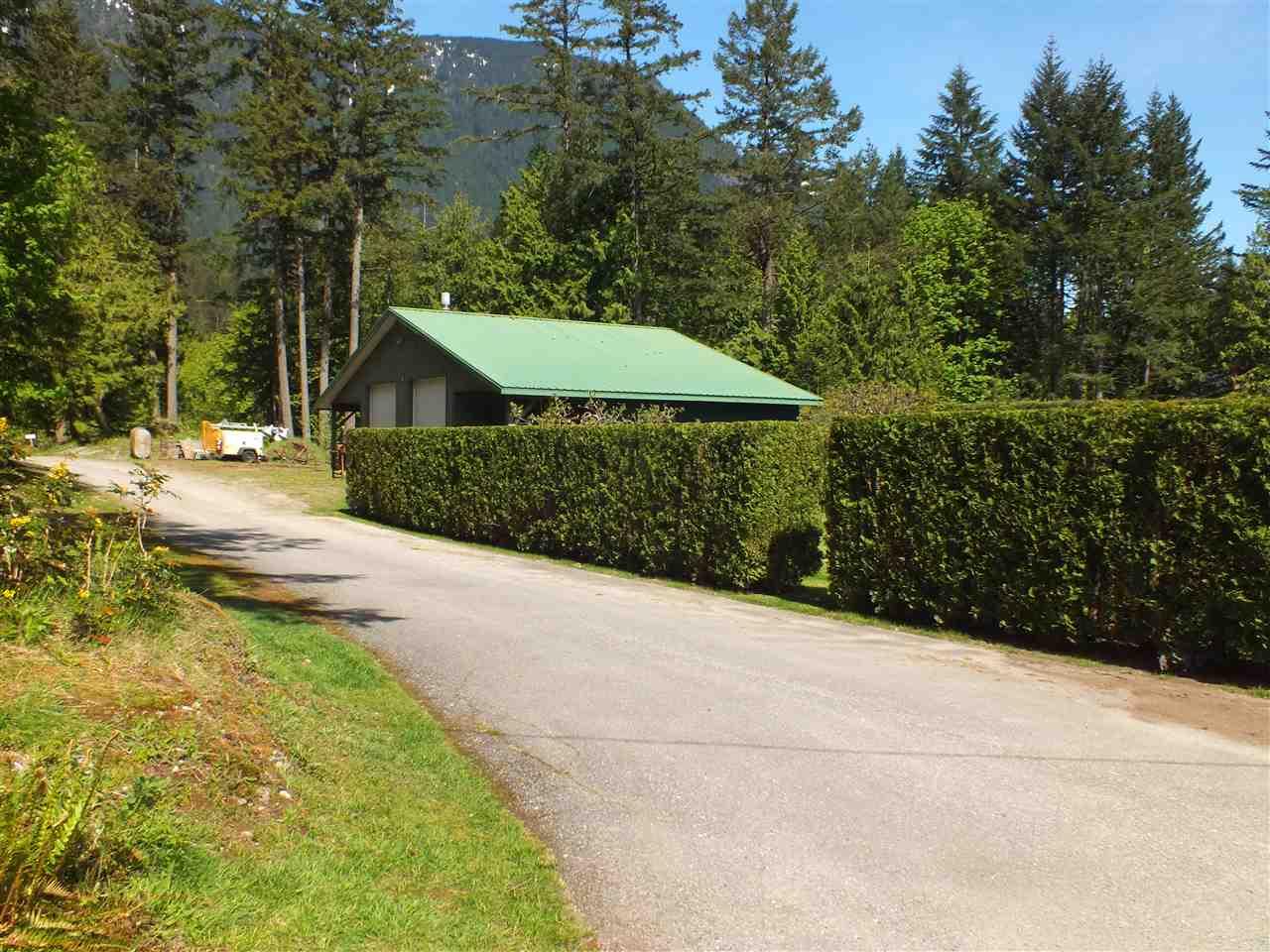 Detached at 64103 LAUZON ROAD, Hope, British Columbia. Image 16