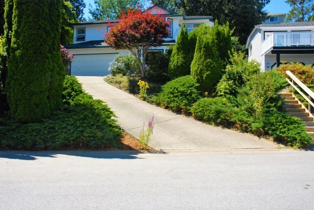 Detached at 2253 TIMBERLANE DRIVE, Abbotsford, British Columbia. Image 1