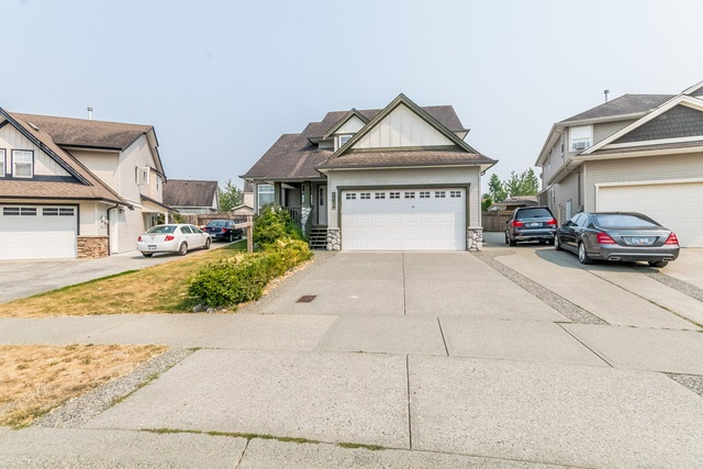 Detached at 3628 HERITAGE DRIVE, Abbotsford, British Columbia. Image 2