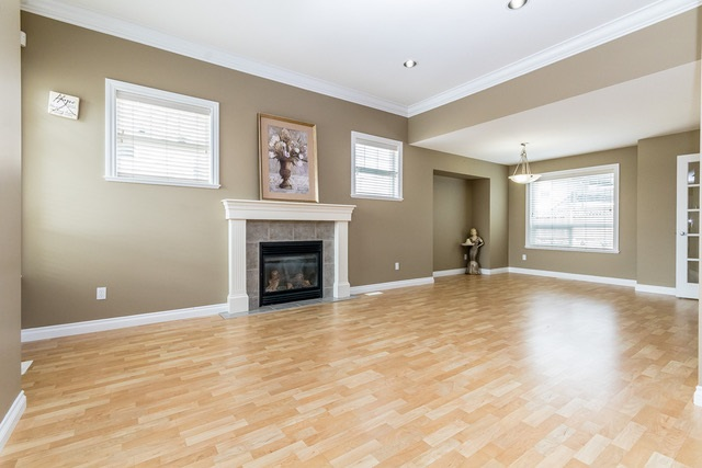 Detached at 3628 HERITAGE DRIVE, Abbotsford, British Columbia. Image 4