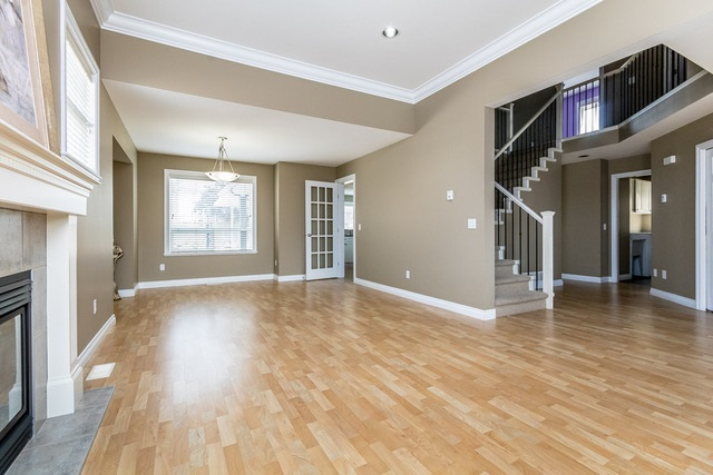Detached at 3628 HERITAGE DRIVE, Abbotsford, British Columbia. Image 5