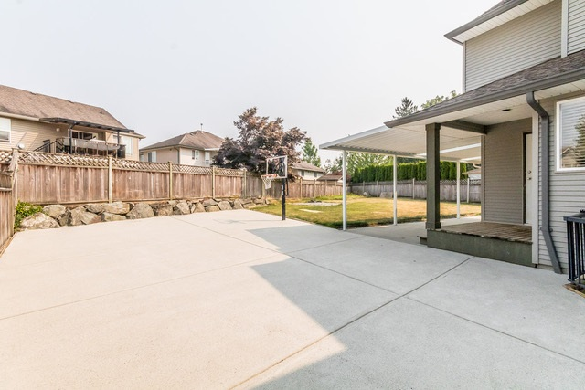 Detached at 3628 HERITAGE DRIVE, Abbotsford, British Columbia. Image 17