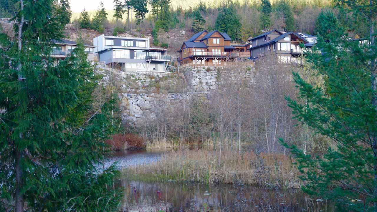 Detached at 41185 ROCKRIDGE PLACE, Squamish, British Columbia. Image 18