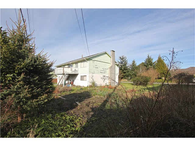 Detached at 11811 DUNFORD ROAD, Richmond, British Columbia. Image 4