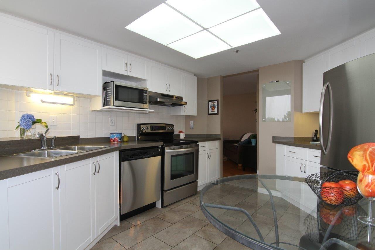 Condo Apartment at 502 728 FARROW STREET, Unit 502, Coquitlam, British Columbia. Image 5