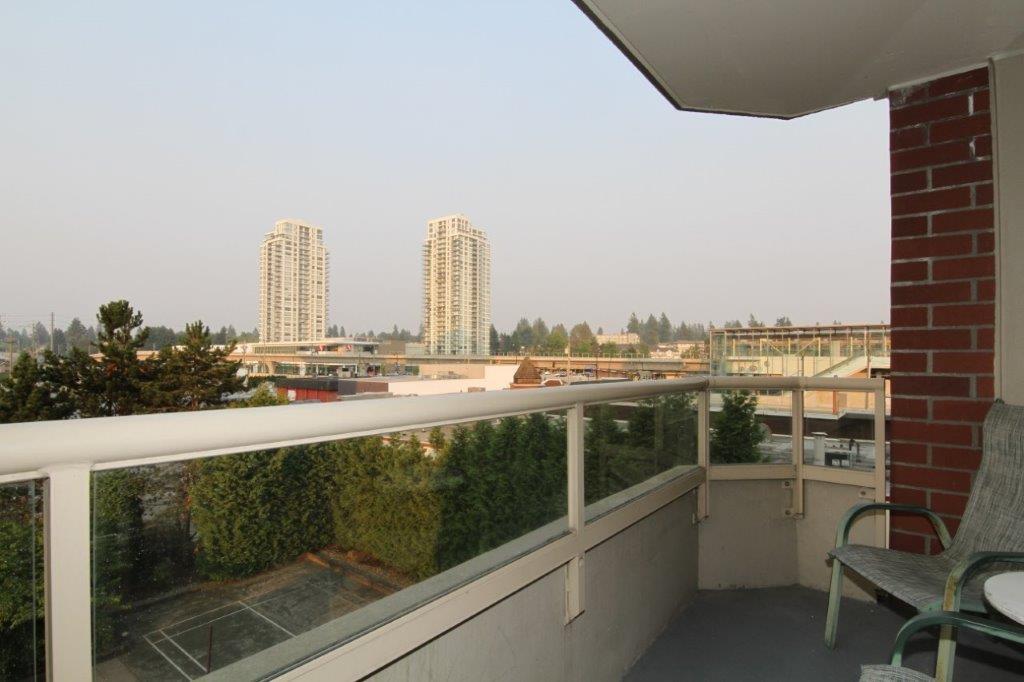 Condo Apartment at 502 728 FARROW STREET, Unit 502, Coquitlam, British Columbia. Image 12