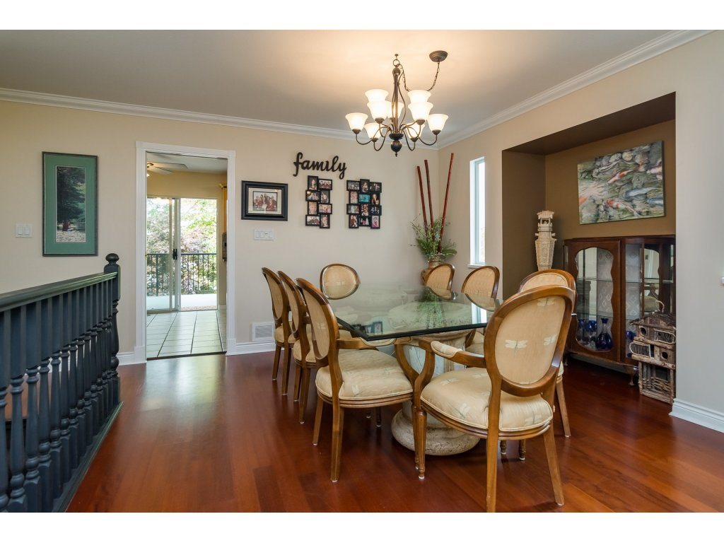 Detached at 21469 89TH AVENUE, Langley, British Columbia. Image 6