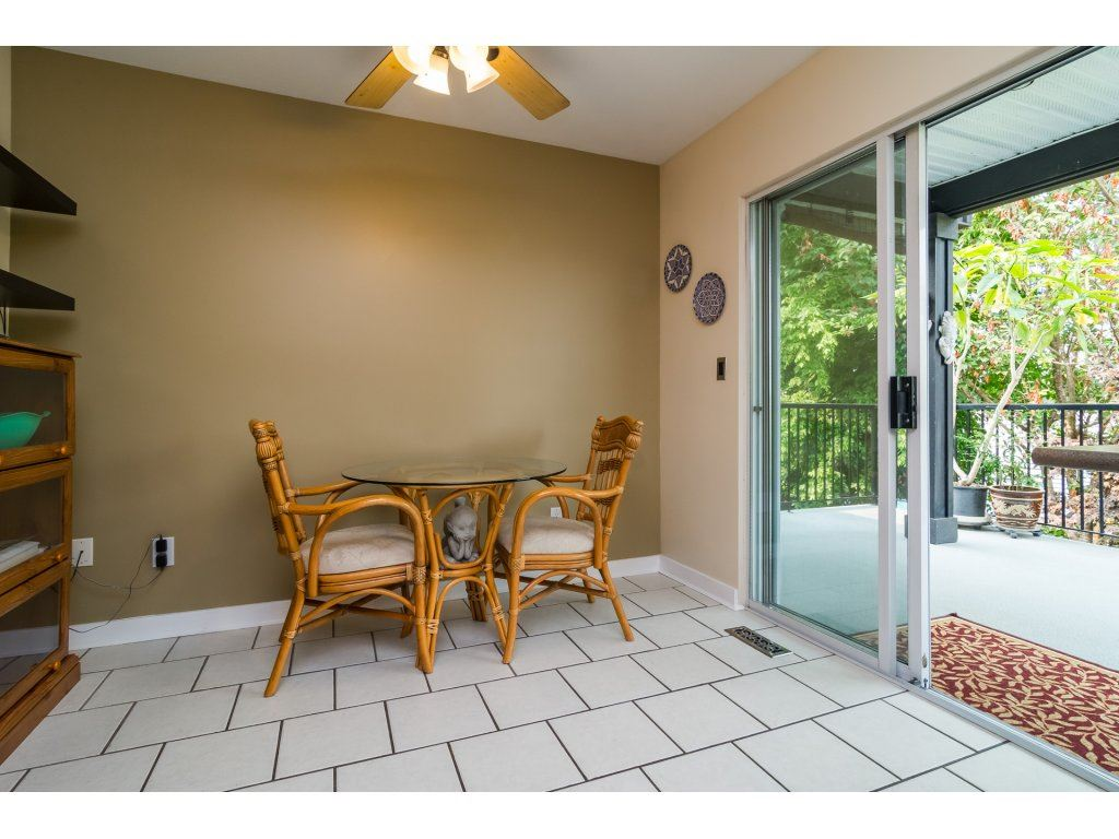 Detached at 21469 89TH AVENUE, Langley, British Columbia. Image 7