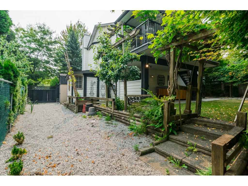 Detached at 21469 89TH AVENUE, Langley, British Columbia. Image 18