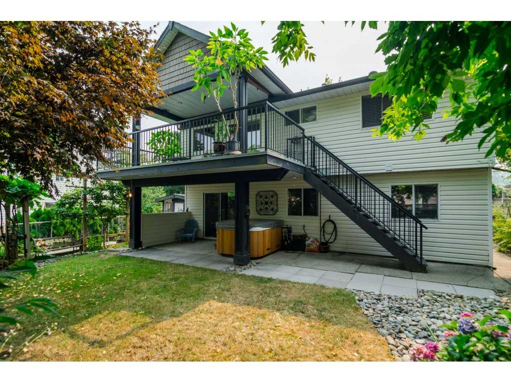 Detached at 21469 89TH AVENUE, Langley, British Columbia. Image 19