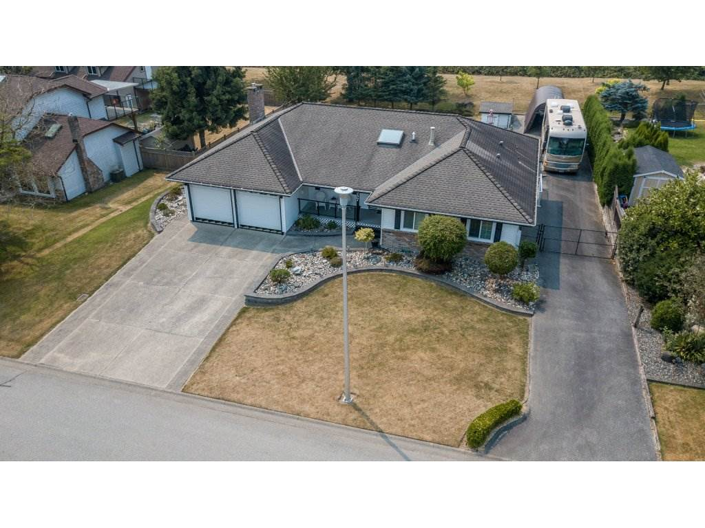 Detached at 5537 181A STREET, Cloverdale, British Columbia. Image 1
