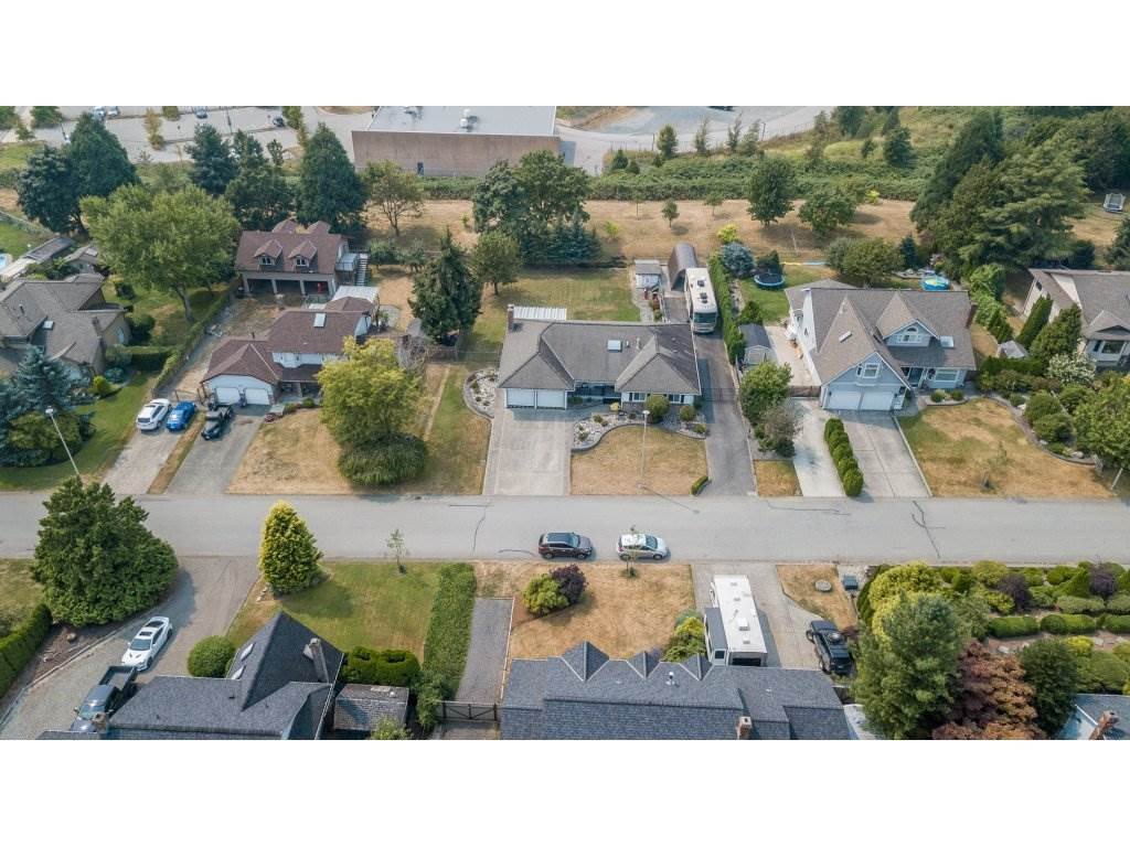 Detached at 5537 181A STREET, Cloverdale, British Columbia. Image 20