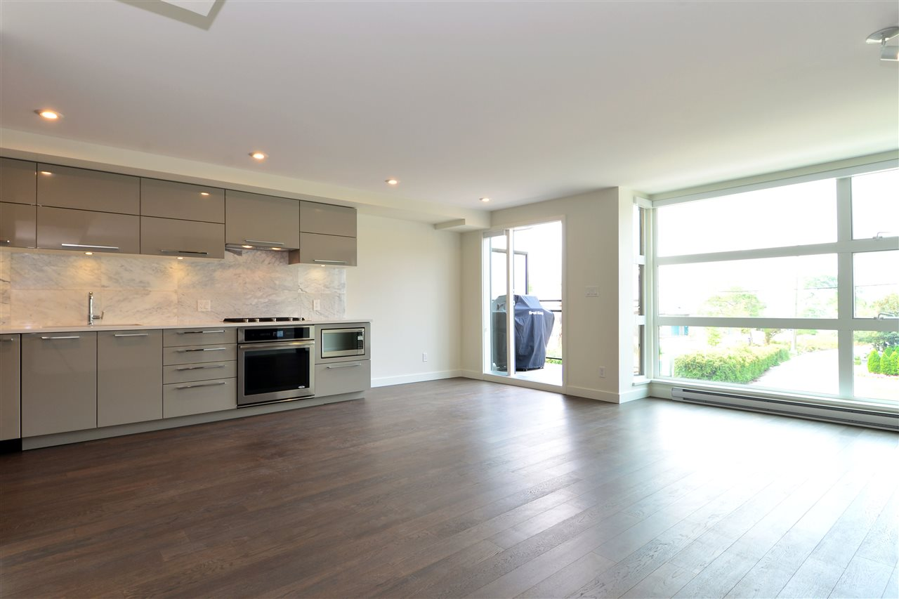 Condo Apartment at 203 1160 OXFORD STREET, Unit 203, South Surrey White Rock, British Columbia. Image 15