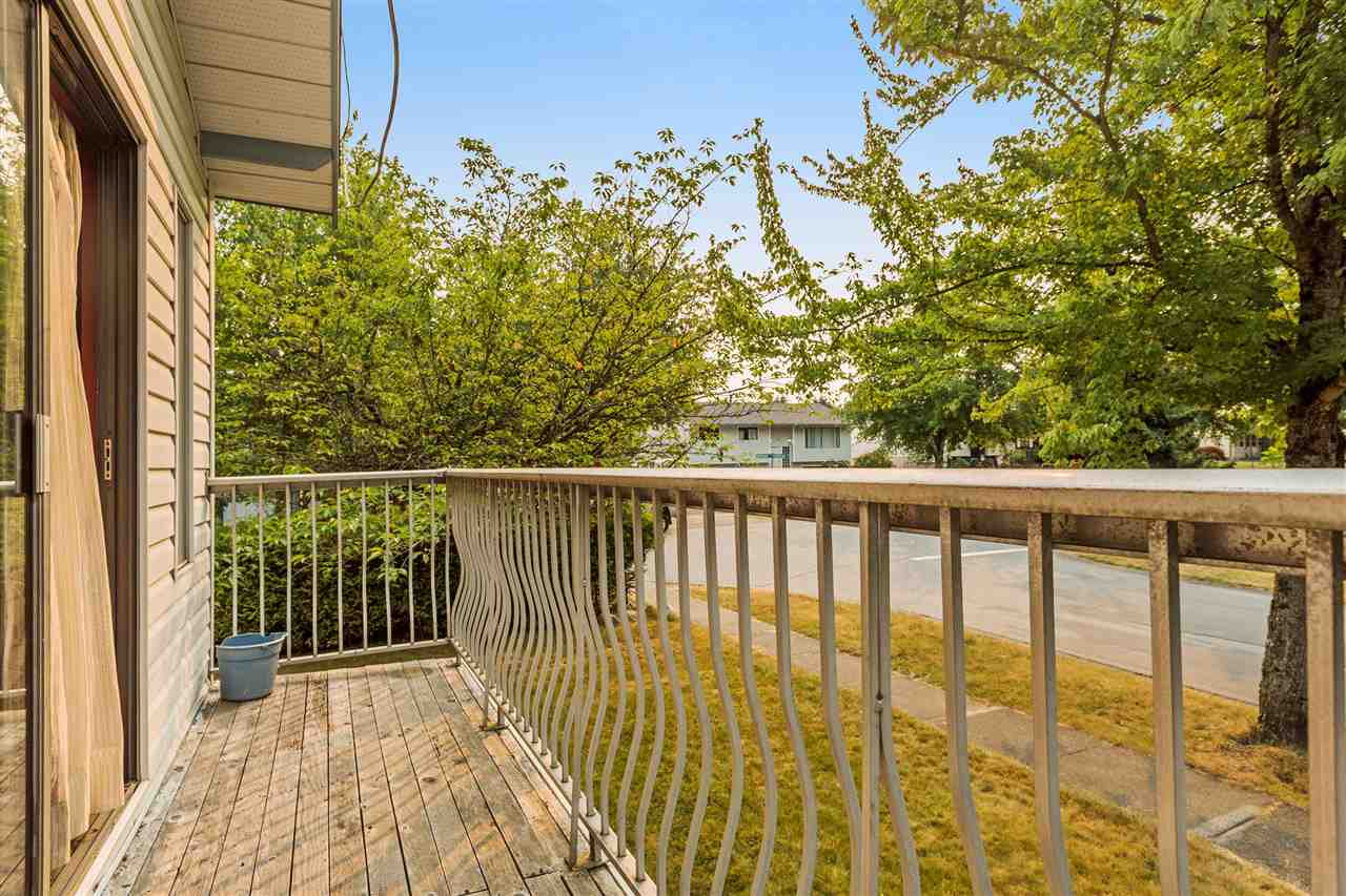 Detached at 18201 61B AVENUE, Cloverdale, British Columbia. Image 20