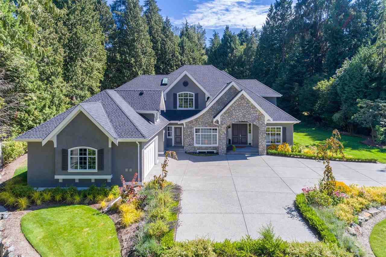 Detached at 13555 BALSAM CRESCENT, South Surrey White Rock, British Columbia. Image 1