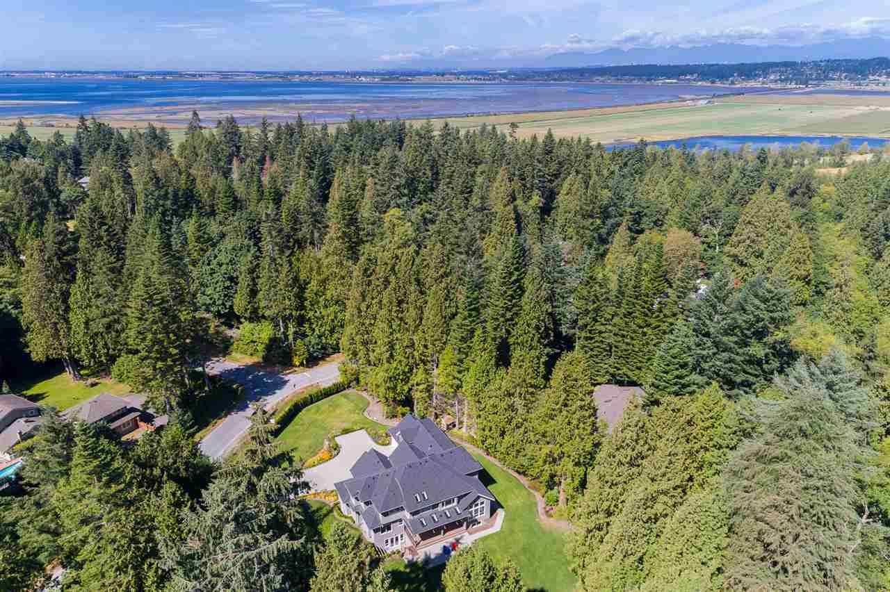 Detached at 13555 BALSAM CRESCENT, South Surrey White Rock, British Columbia. Image 2