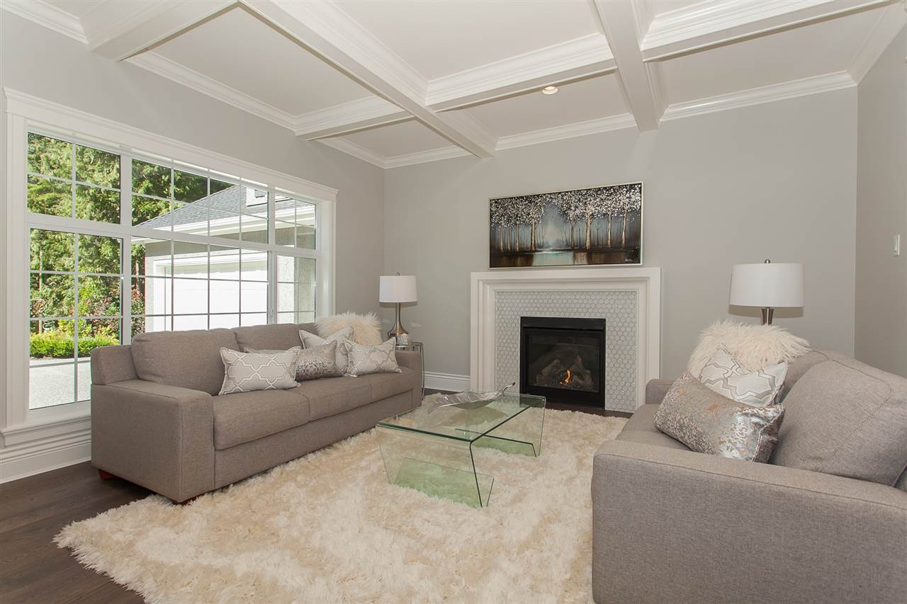 Detached at 13555 BALSAM CRESCENT, South Surrey White Rock, British Columbia. Image 4
