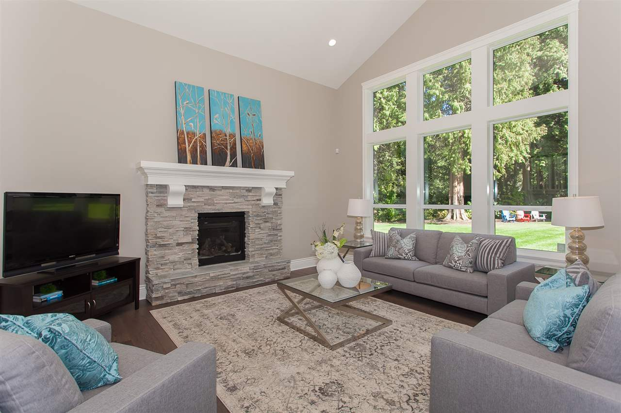 Detached at 13555 BALSAM CRESCENT, South Surrey White Rock, British Columbia. Image 9