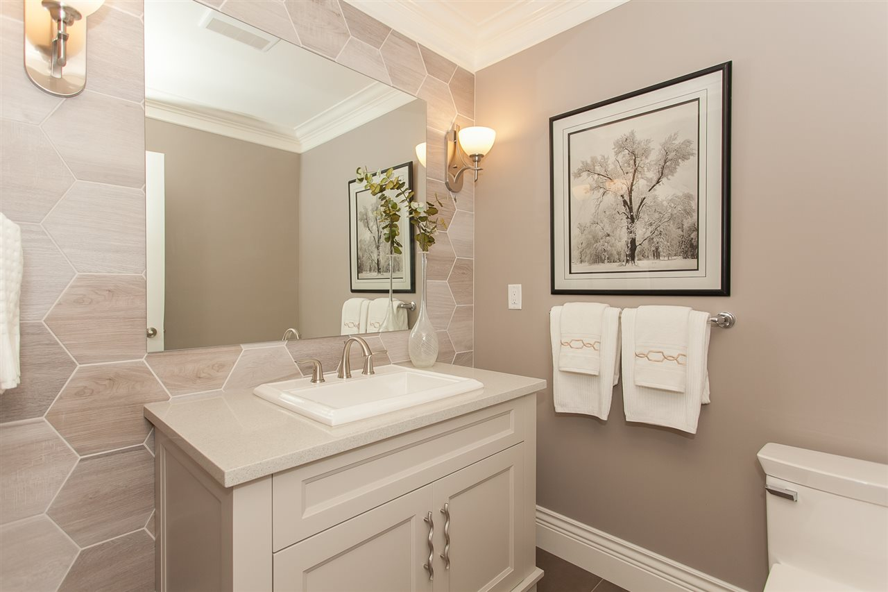 Detached at 13555 BALSAM CRESCENT, South Surrey White Rock, British Columbia. Image 10