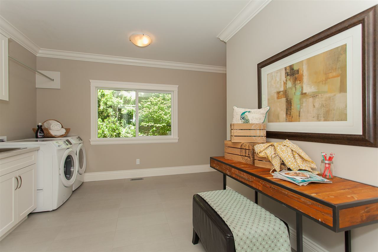 Detached at 13555 BALSAM CRESCENT, South Surrey White Rock, British Columbia. Image 11