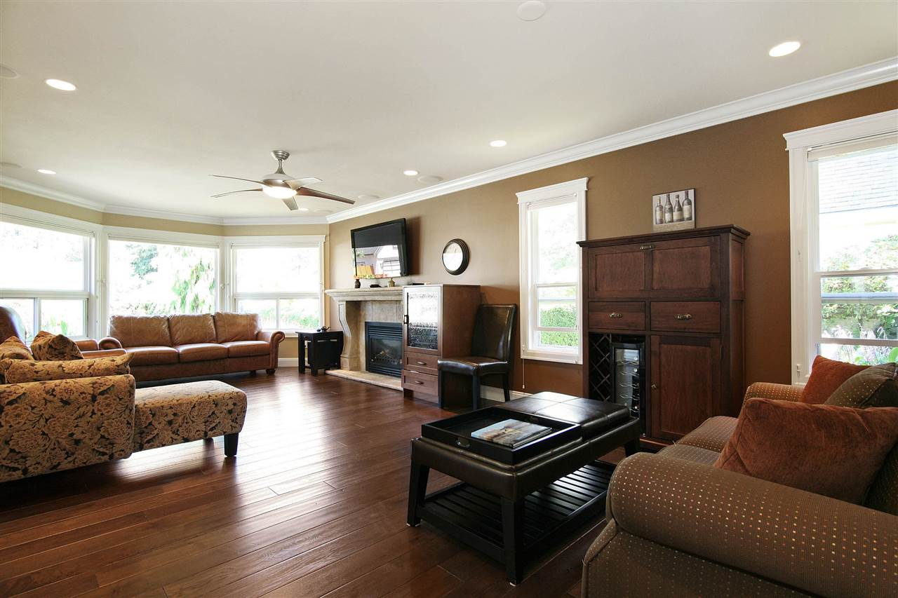 Detached at 19772 34A AVENUE, Langley, British Columbia. Image 5