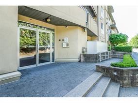 Condo Apartment at 404 13780 76 AVENUE, Unit 404, Surrey, British Columbia. Image 3