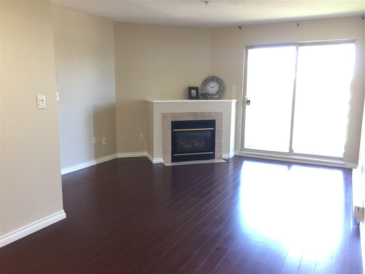 Condo Apartment at 404 13780 76 AVENUE, Unit 404, Surrey, British Columbia. Image 4