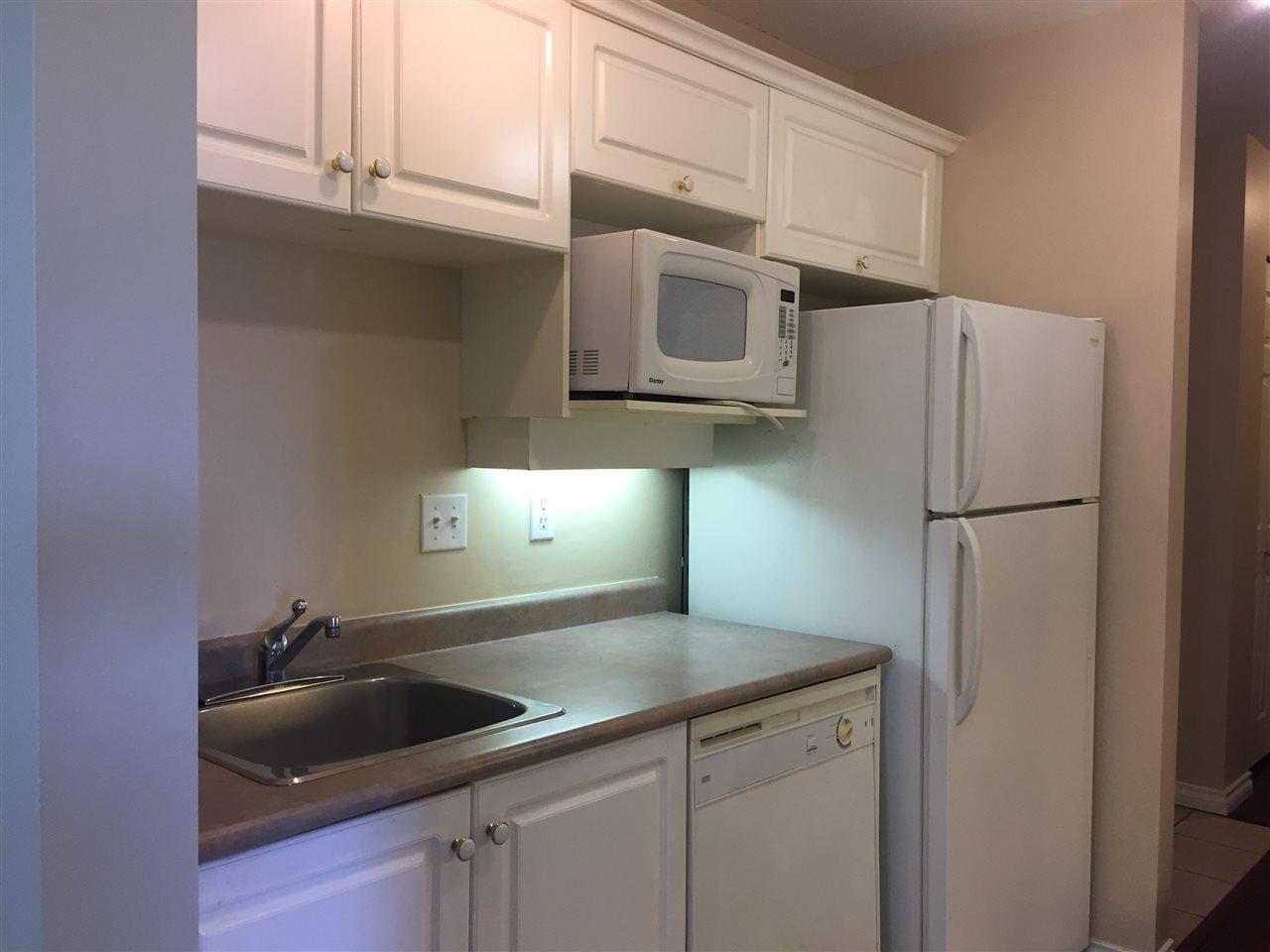 Condo Apartment at 404 13780 76 AVENUE, Unit 404, Surrey, British Columbia. Image 12