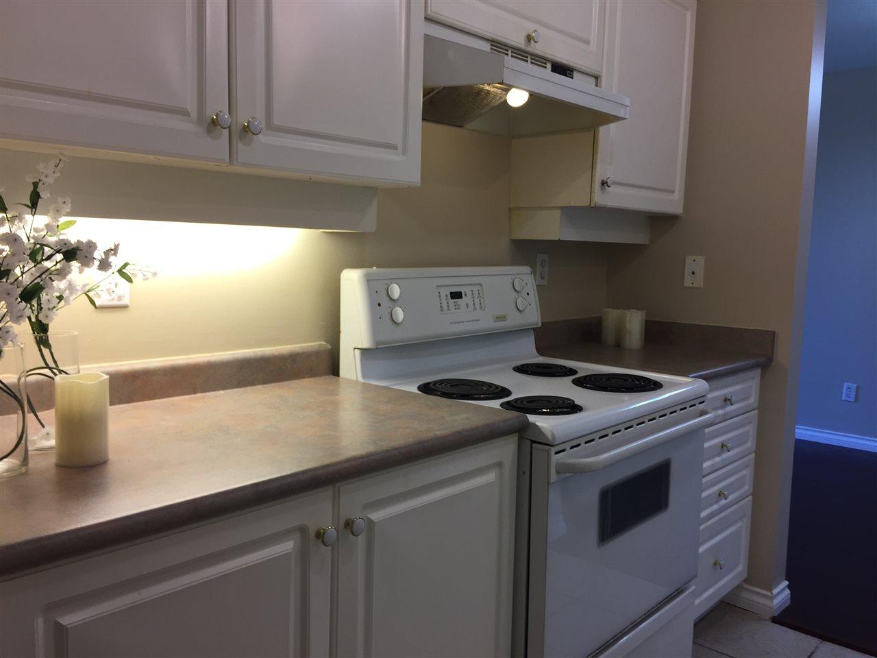 Condo Apartment at 404 13780 76 AVENUE, Unit 404, Surrey, British Columbia. Image 13
