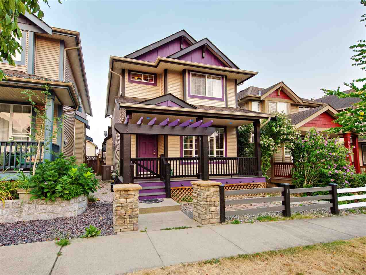 Detached at 6554 193 STREET, Cloverdale, British Columbia. Image 1