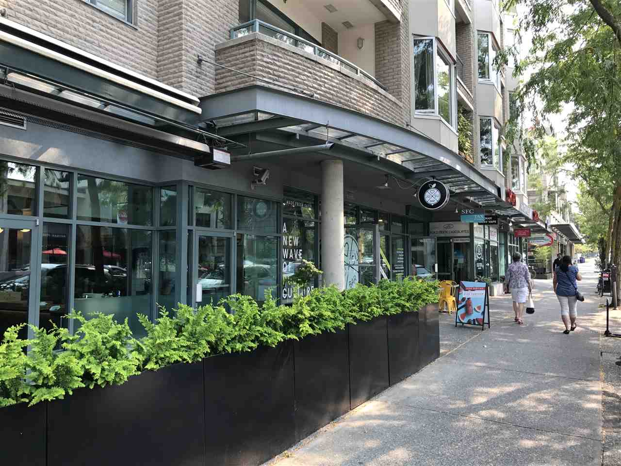 Condo Apartment at 501 1688 CYPRESS STREET, Unit 501, Vancouver West, British Columbia. Image 2