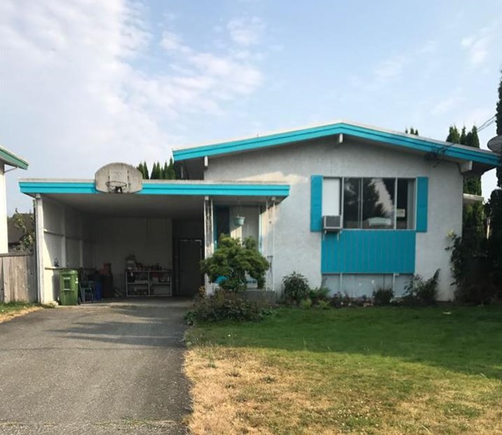 Detached at 46590 PORTAGE AVENUE, Chilliwack, British Columbia. Image 1