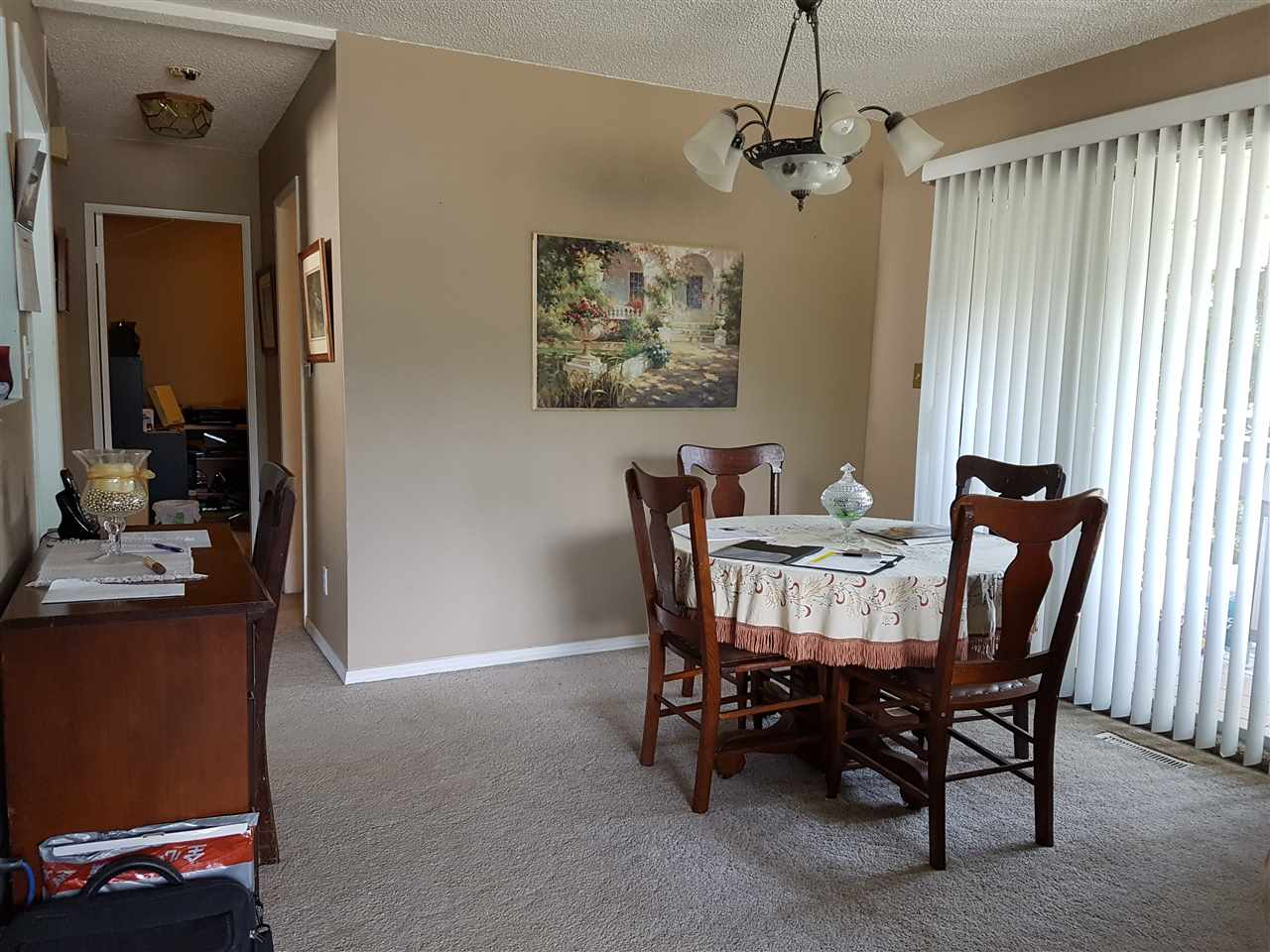 Detached at 46590 PORTAGE AVENUE, Chilliwack, British Columbia. Image 3